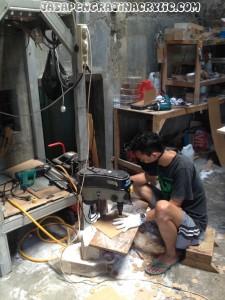 Jasa Pengrajin Akrilik Leuwisadeng Bogor
