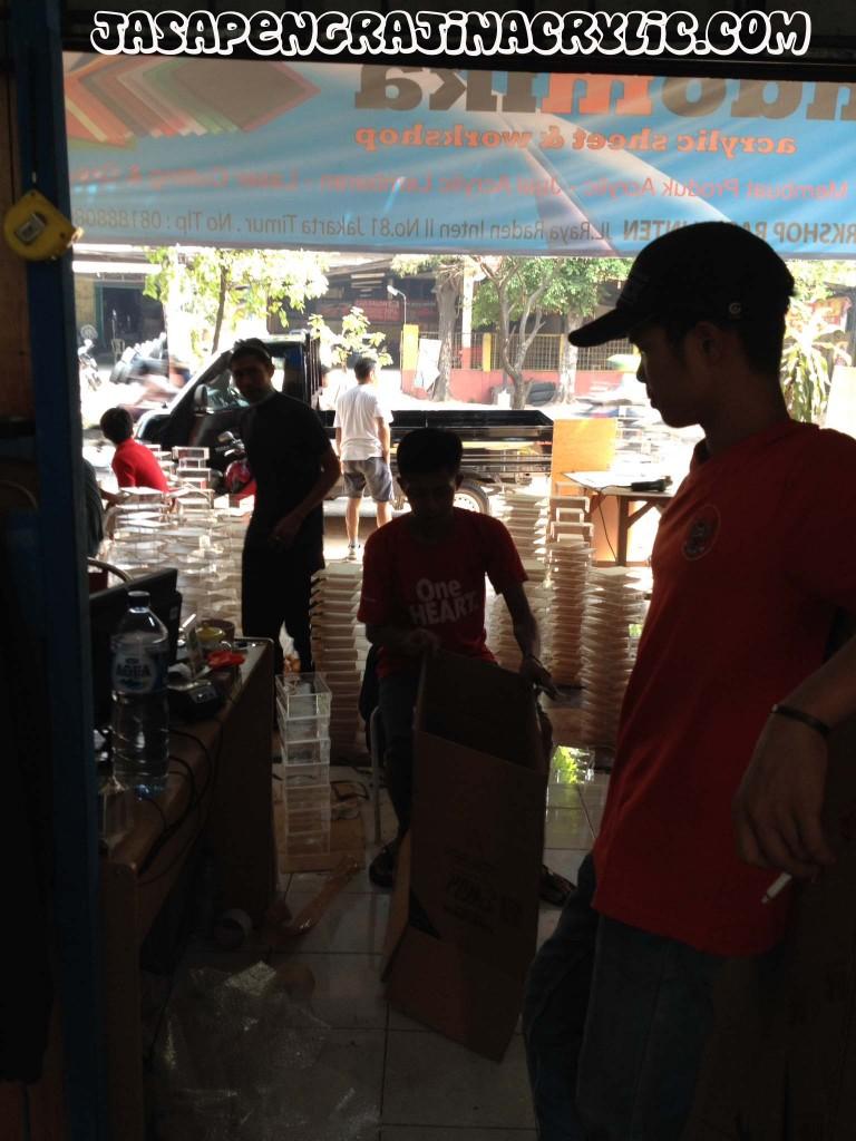 Jasa Pengrajin Akrilik di Menteng Jakarta Pusat