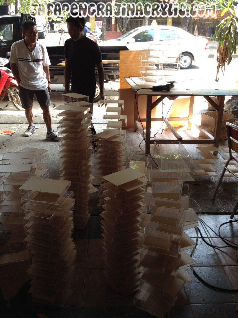 Jasa Pengrajin Akrilik di Pondok Kopi Jakarta Timur