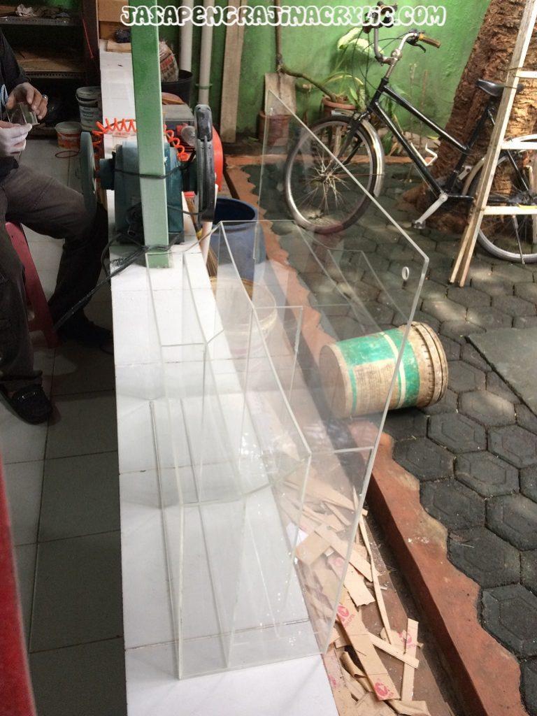 Jasa Pengrajin Akrilik di Kemang Jakarta Selatan