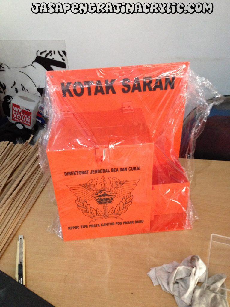 Jual Display Stand Akrilik di Ciracas Jakarta Timur
